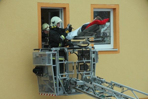DLK_Drehleiter_Rettung_Patient_Patientenrettung_Einsatz_Feuerwehr_Tipps_IV