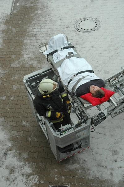 DLK_Drehleiter_Rettung_Patient_Patientenrettung_Einsatz_Feuerwehr_Tipps_VI