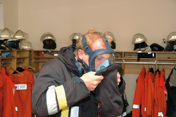 Flammschutzhaube_Feuerwehr_PSA_Persönliche Schutzausrüstung_Einsatz_Innenangriff_Sicherheit