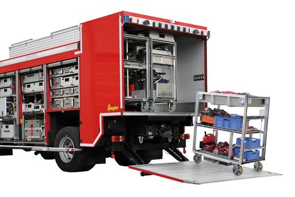 Rollwagen_Feuerwehr_Einsatz_Gerät_Transport_Rüstwagen_II