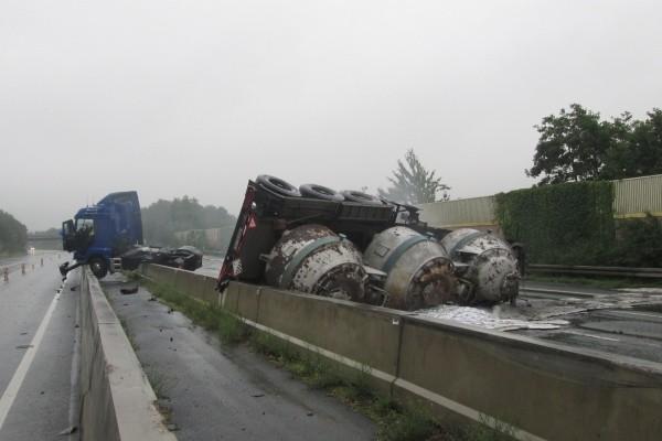 Unfall-Gefahrgut-Dortmund-17-08-2015