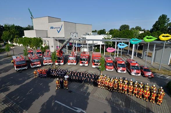 Motiviertes Team, neue Fahrzeuge. Foto: Preuschoff