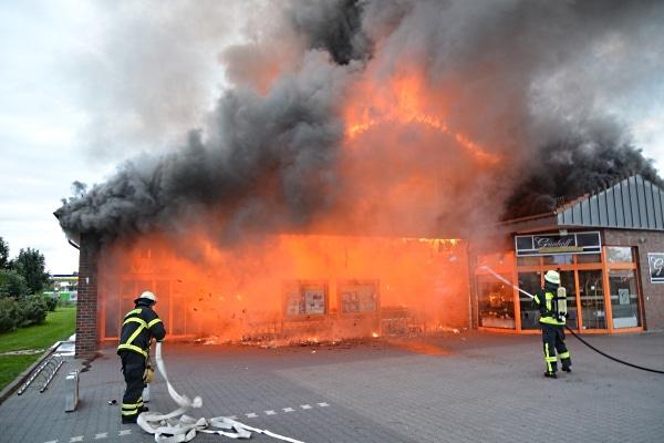 Großbrand-Norddeich-21-09-2015