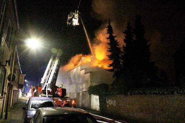 Großbrand-Emden-19-10-2015