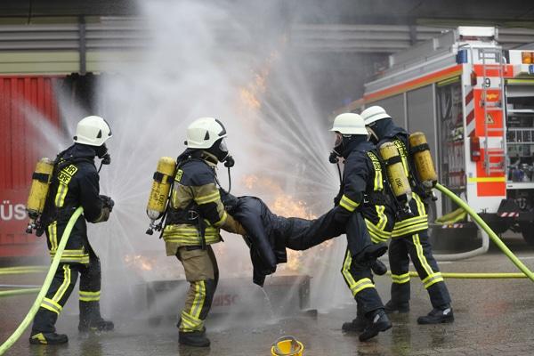 Themen der Fachmesse A&A sind beispielsweise Persönliche Schutzausrüstung und betrieblicher Brandschutz. Foto Messe Düsseldorf