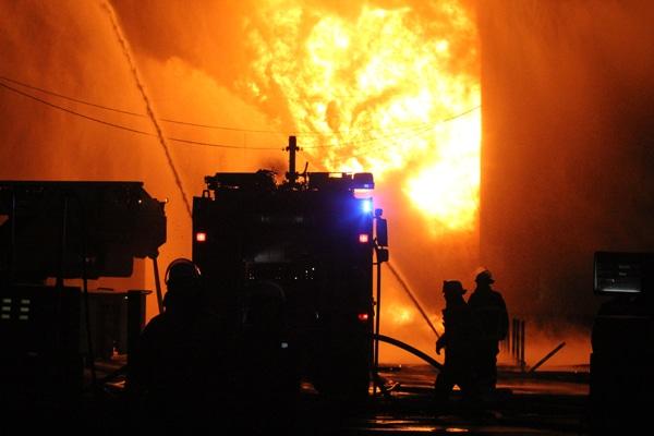 Symbolbild Brandbekämpfung der Feuerwehr. Foto: Timo Jann