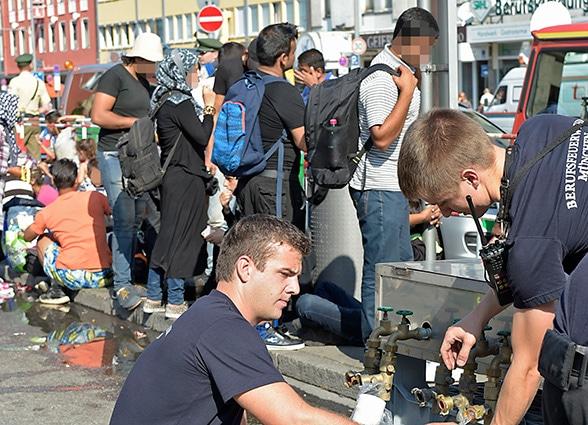 Im Einsatz für Flüchtlinge. Foto: Branddirektion München