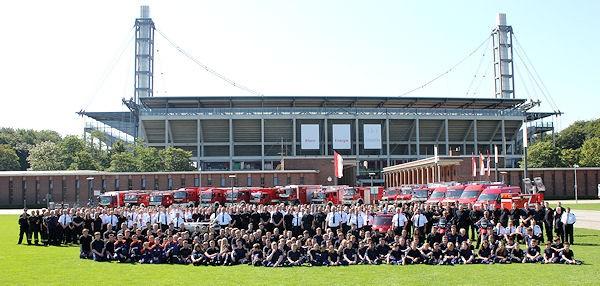 Freiwillige-Feuerwehr-Koeln-Gruppenfoto