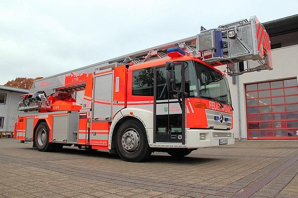 Gebraucht beschaffte die Feuerwehr Bergisch Gladbach diese DLK 23-12 auf Mercedes Econic 1829 von Metz Aerials als Ersatz für ein Teleskopmastfahrzeug. Foto: Feuerwehr Bergisch Gladbach