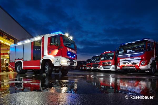 AT_Rosenbauer_Feuerwehr_Fahrzeug_Einsatzfahrzeug