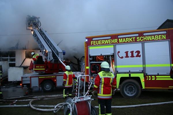 Feuerwehr_Einsatz_Lagerhalle_Brand_II