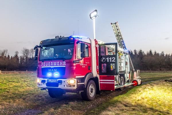 HLF_20_Einsatzfahrzeug_Feuerwehr_Fahrzeug