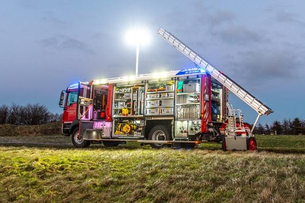 HLF_20_Einsatzfahrzeug_Feuerwehr_Fahrzeug_III