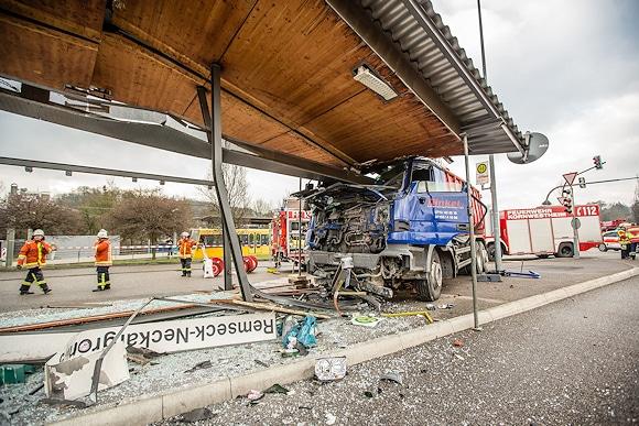 Schwerer Unfall mit Lkw in Remseck. Foto: 7aktuell.de/Schmalz