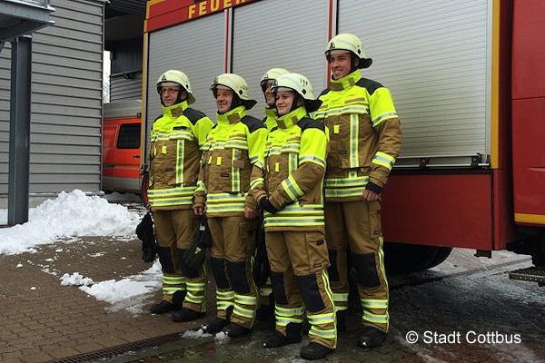 Feuerwehr Cottbus: neue Schutzkleidung. Foto: Stadt Cottbus