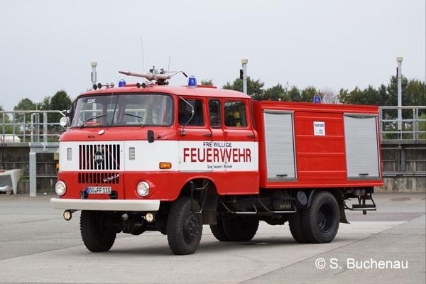 Mit diesem W 50 der Feuerwehr Seehausen sind momentan die Kräfte der Feuerwehr Dreileben im Einsatz. Foto: S. Buchenau