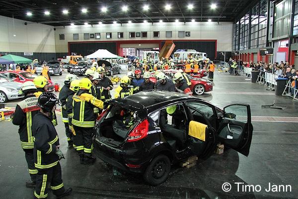 """Bei den """"Weber Rescue Days"""" treffen sich etwa 800 internationale Feuerwehrleute, um moderne Rettungstechniken zu trainieren. Foto: Timo Jann"""