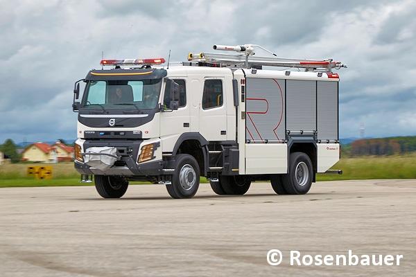 Die neue Fahrzeugbaureihe ET (Efficient Technology) von Rosenbauer, hier auf einem Volvo-Fahrgestell aufgebaut, soll europäische Feuerwehrtechnik in internationale Märkte bringen. Foto: Rosenbauer