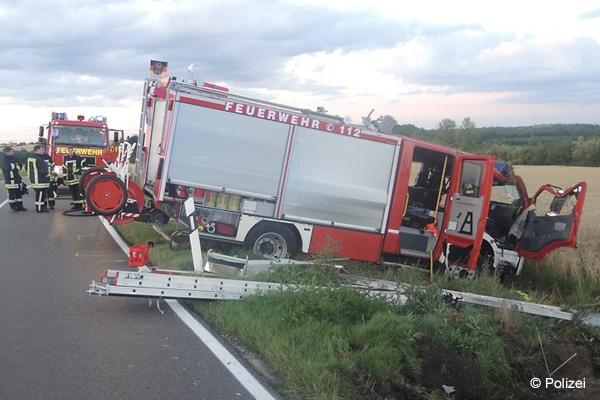 Unfall_Eigenunfall_Feuerwehr_Einsatzfahrzeug_Löschfahrzeug