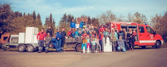 Impression der in sechs Bundesländern von Feuerwehren duchgeführten Sammelaktion. Insgesamt konnten dadurch 600 veralterte Kühlgeräte entsorgt werden. Foto: Rainer Büldt