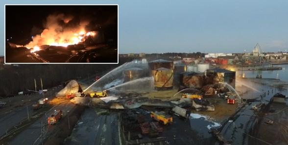 Flammenmeer am Hafen Foto: Feuerwehr Fredericia