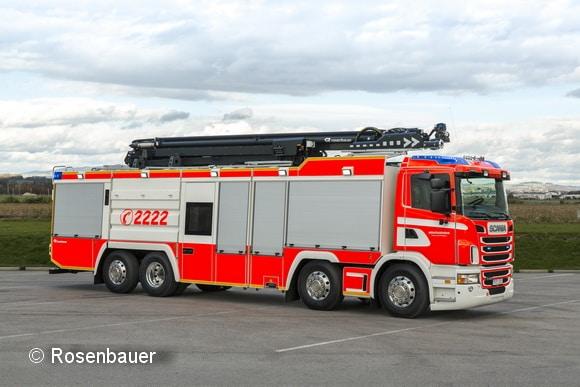 In hanau versieht dieses ULF von rosenabuer seinen Dienst. Als Fahrgestell dient ein Scania. Foto: Rosenbauer