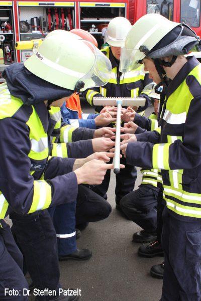 Feuerwehr_Uebung_Teamwork_02