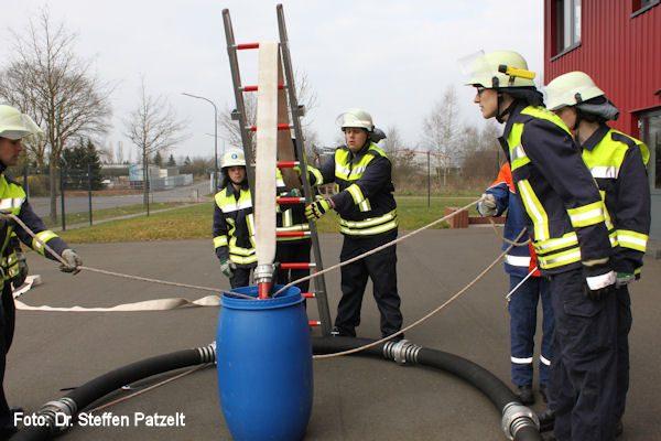Feuerwehr_Uebung_Teamwork_04