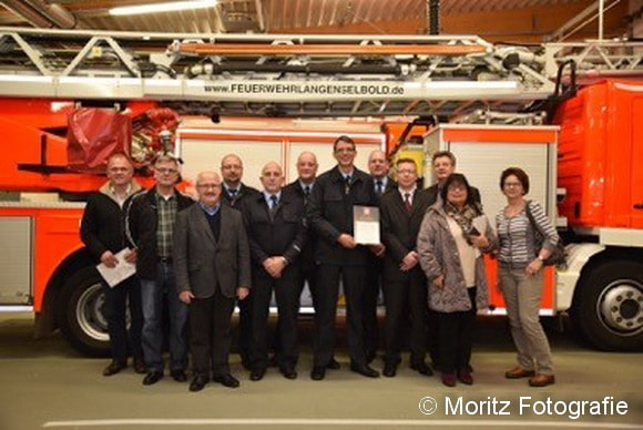 Feierliche Übergabe des Zertifikates nach dem IQFS-Standard an die Feuerwehr Langenselbold. Foto: Moritz Fotografie