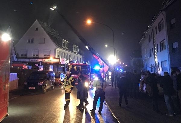 bergisch gladbach f nf schwerverletzte bei restaurant brand feuerwehr magazin. Black Bedroom Furniture Sets. Home Design Ideas