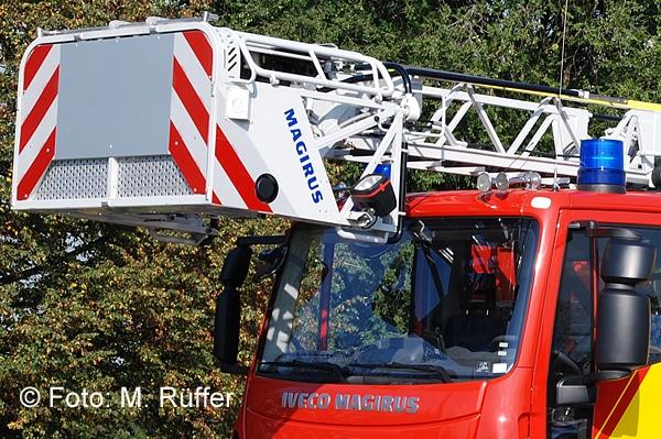Die Drehleiter der FF Peine wurde bei einem Unfall schwer beschädigt. Symbolfoto: Michael Rüffer