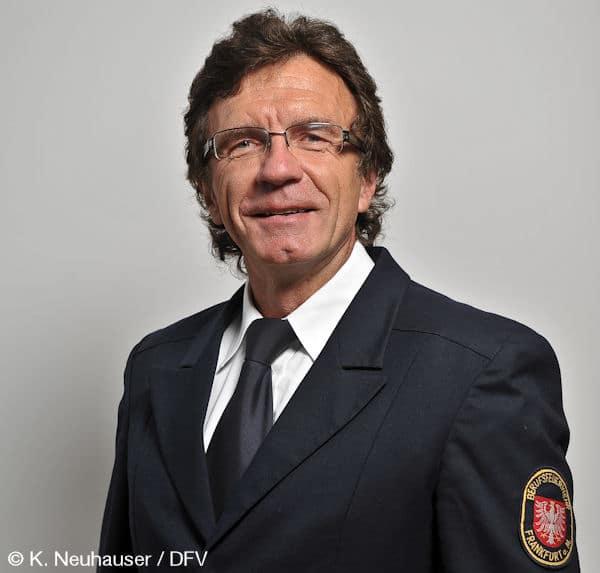 Der PrŠsidialrat des DFV tagt in der Vertretung des Freistaats ThŸringen in Berlin Der PrŠsidialrat des DFV tagt in der Vertretung des Freistaats ThŸringen in Berlin Prof. Reinhard Ries