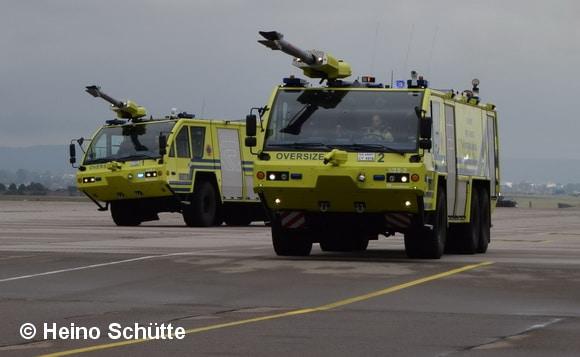 Als FLF nutzt das Fire Department zwei Panther 6x6 von Rosenbauer. Foto: Heino Schütte