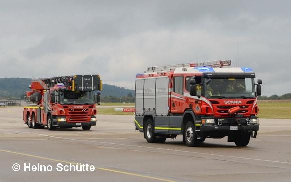 Auf Scania-Fahrgestellen sind die Dehleiter und das HLF aufgebaut. Die Aufbauten fertigte Rosenbauer. Foto: Heino Schütte