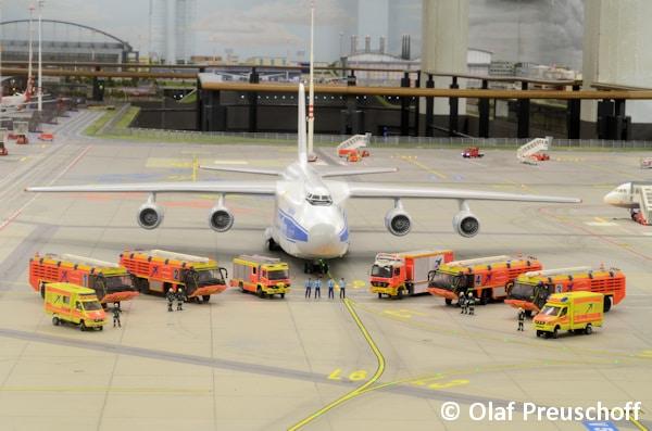 OP_WF_Knuff_Airport_01