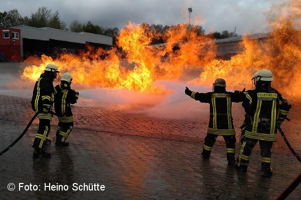 rund 40 millionen euro investierte die bundeswehr in die feuerwehrschule in stetten am kalten markt foto schtte - Bundeswehr Feuerwehr Bewerbung