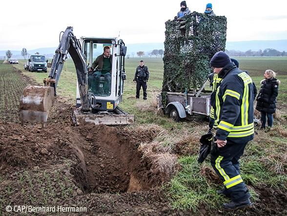 Dackel aus Kanalsystem gerettet Foto: CAP/Herrmann