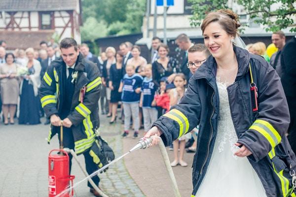 Zur Trauung Vor Feuerwehr Magazin