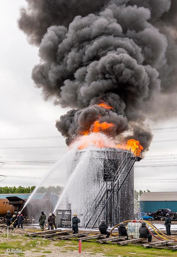 Falck Fire Academy: Brennende Tanks Foto: Rüffer