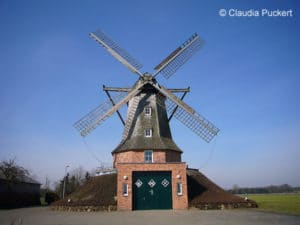 Der Löschzug Sinningen der FF Saerbeck nutzt eine Windmühle als Feuerwehrhaus.