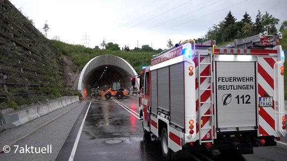 Feuerwehr vor Tunnel