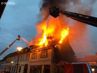 Flammen Gebäude