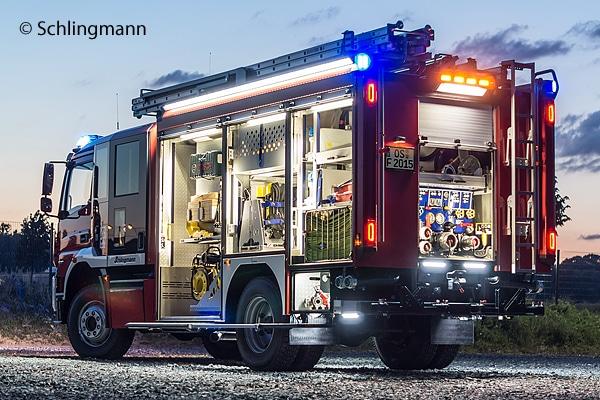 Rundum-LED-Ausstattung: HLF 20 mit Varus-Aufbau von Schlingmann. Foto: Schlingmann