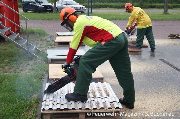 Rettungssägen im Feuerwehreinsatz