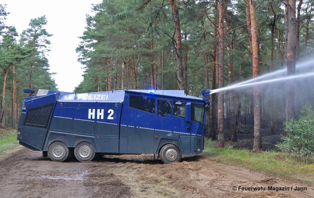 Wasserwerfer Rosenbauer Polizei Amtshilfe